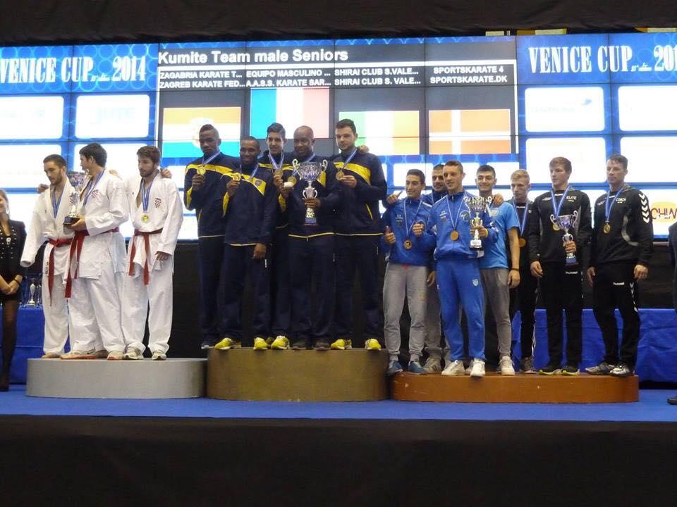 Podium des équipes masculines